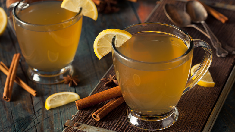 Hot alcoholic drinks to keep you warm all winter for Hot alcoholic beverages