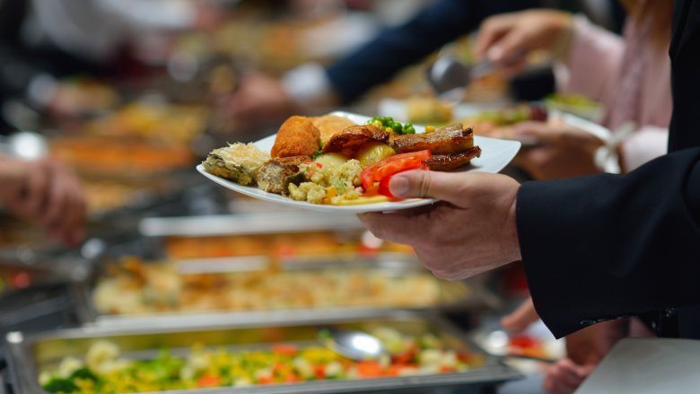 How all-you-can-eat buffets really make their money