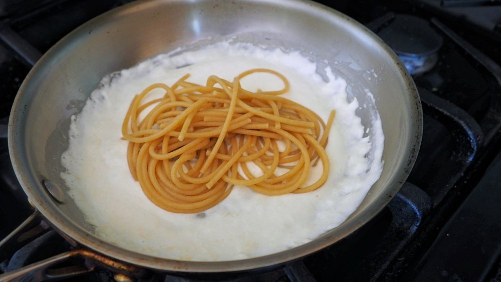 Making 3-ingredient Alfredo sauce