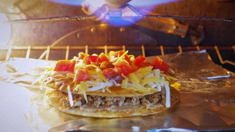 how to use a broiler for 5-ingredient copycat Taco Bell Mexican pizza