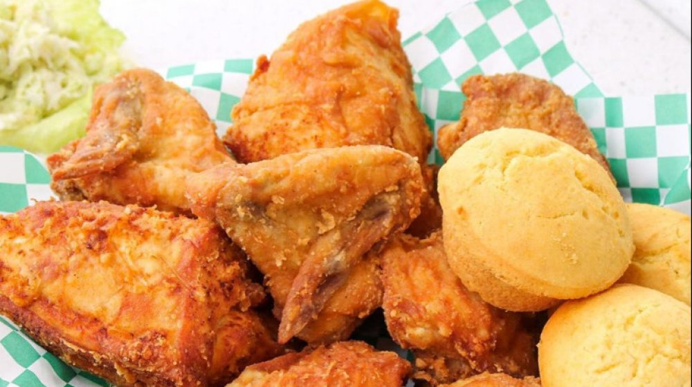 Alaska: Lucky Wishbone's fried chicken