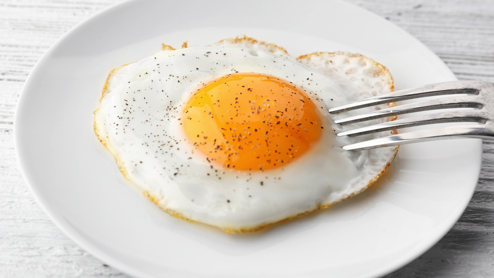 The Pioneer Woman's Cooking Hack For The Best Sunny-Side Up Eggs