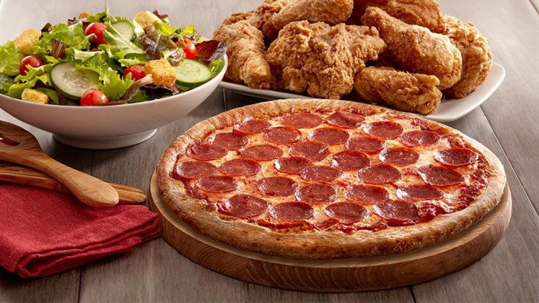 Golden Corral pizza