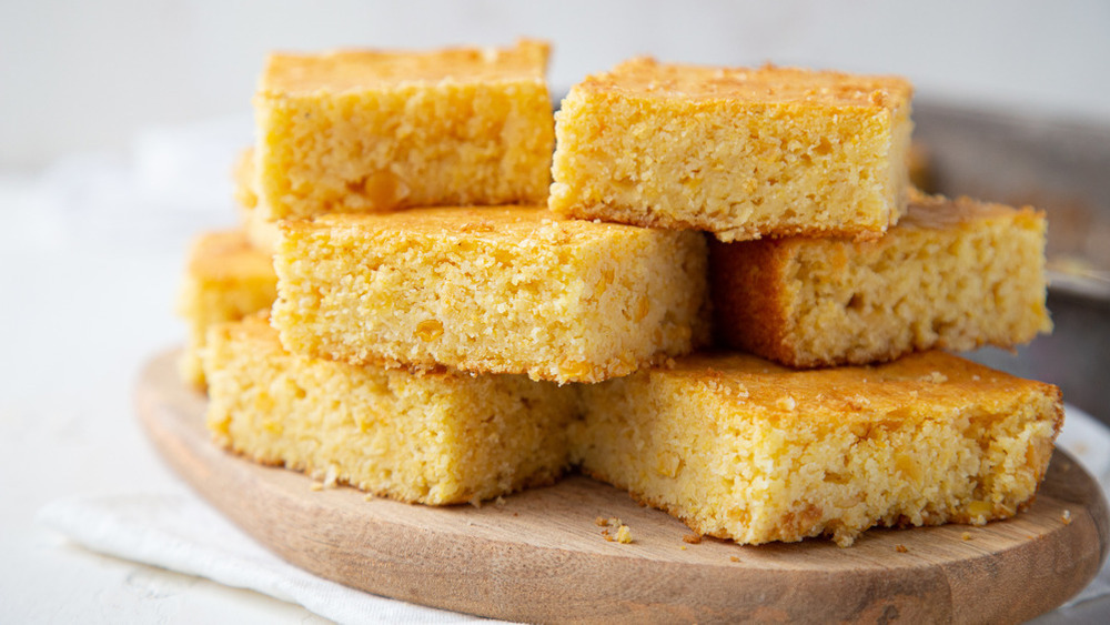 sliced cornbread